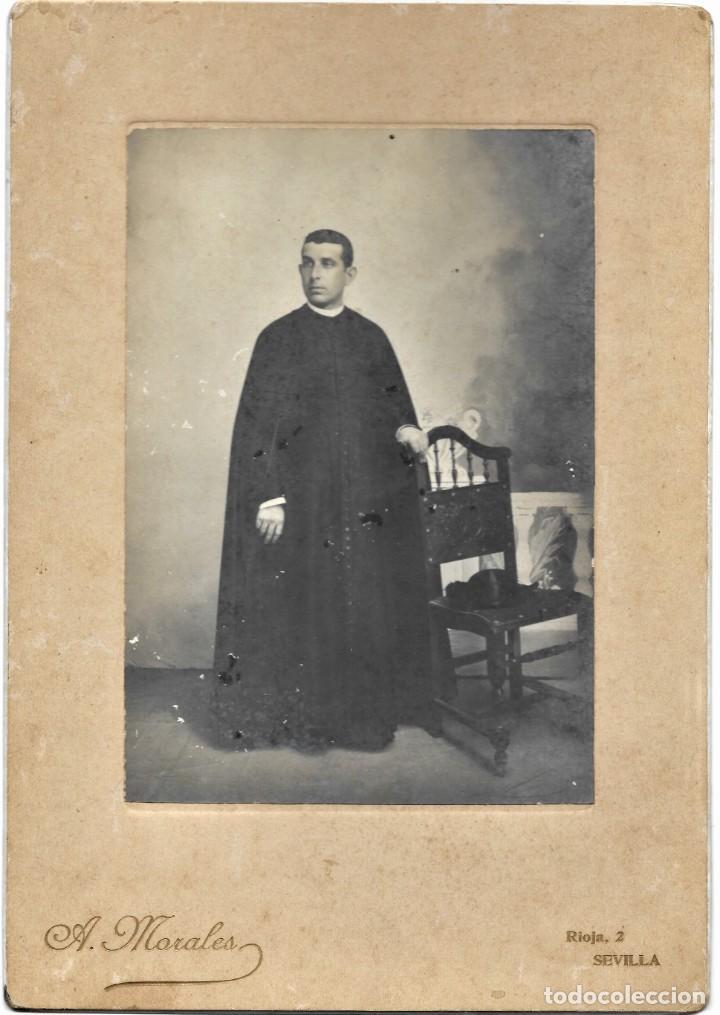 CURA PÁRROCO DE LA CAMPANA (SEVILLA) - FOTÓGRAFO A.MORALES, SEVILLA - FECHADA 1º MAYO 1909 (Fotografía Antigua - Albúmina)