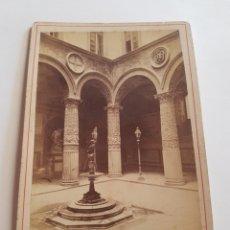 Fotografía antigua: FOTOGRAFÍAS EN FORMATO GABINETTO DE 1883 PATIO PALAZZO VECCHIO DE FLORENCIA ITALIA SIGLO XIX. Lote 212990002