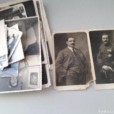 Fotografía antigua: UNA FOTOGRAFÍA DE UNIFORME MILITAR OTRAS DE LA ÉPOCA Y SIMILATES. Lote 221533942