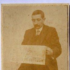 Fotografía antigua: F-4794. ANTIGUA FOTOGRAFIA DE UN LECTOR DEL PERIÓDICO HERALDO DE MADRID. PRINCIPIOS SIGLO XX.. Lote 221688027
