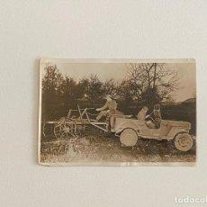Fotografía antigua: ROBERT CAPA , FOTOGRAFIA ORIGINAL SELLADA AL REVERSO DEL AÑO 1943 , TEMA GUERRA - SOLDADOS USA. Lote 222025092