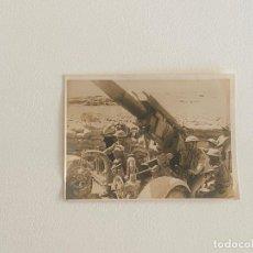 Fotografía antigua: ROBERT CAPA , FOTOGRAFIA ORIGINAL SELLADA AL REVERSO , TEMA GUERRA - OCTUBRE 1941. Lote 222026658