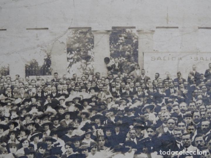 Fotografía antigua: GRAN FOTOGRAFÍA DE UN ACTO EN BUENOS AIRES.AYMASSO,CALLE FLORIDA 126.PRINCIPIO SIGLO XX. - Foto 15 - 222396271