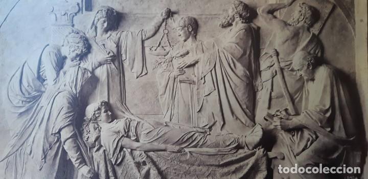 Fotografía antigua: 1872-75ca. Fotografía oroginal albumina J. Laurent y Cia. 33x 24cm. Bajo relieve. Luz artificial - Foto 2 - 226498300