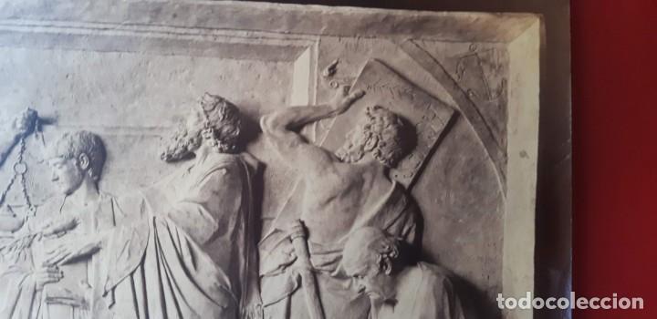 Fotografía antigua: 1872-75ca. Fotografía oroginal albumina J. Laurent y Cia. 33x 24cm. Bajo relieve. Luz artificial - Foto 3 - 226498300