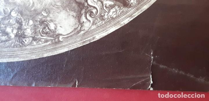 Fotografía antigua: 1868-70ca. Fotografía oroginal albumina J. Laurent. 33x 24cm. Plato labrado de Cellini. Toledo - Foto 3 - 226499311
