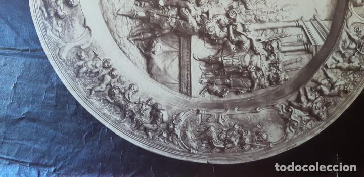 Fotografía antigua: 1868-70ca. Fotografía oroginal albumina J. Laurent. 33x 24cm. Plato labrado de Cellini. Toledo - Foto 9 - 226499311