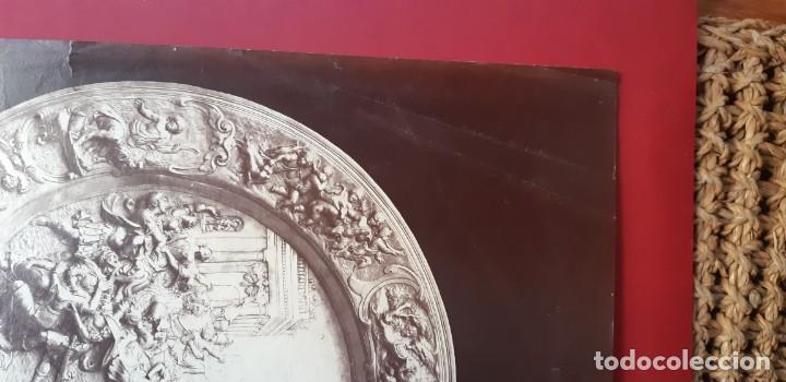 Fotografía antigua: 1868-70ca. Fotografía oroginal albumina J. Laurent. 33x 24cm. Plato labrado de Cellini. Toledo - Foto 12 - 226499311