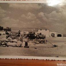 Fotografia antiga: ANTIGUA FOTOGRAFÍA DE UN GRUPO DE CAMPESINOS EN LA SIEGA AÑO 1954 EN ALMODOVAR DE CAMPO. Lote 232344060