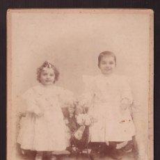 Fotografía antigua: FOTO *ROMÁN A. DE CLAUSOLLES, BARCELONA* MEDS. CARTÓN: 105X162 MMS.. Lote 236761450