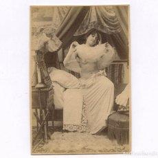 Fotografía antigua: EROTISMO - CA 1890. 7 FOTOGRAFÍAS EN SECUENCIA DE UNA CHICA 10,5X15,5 CM. VER FOTOS ANEXAS.. Lote 236825805