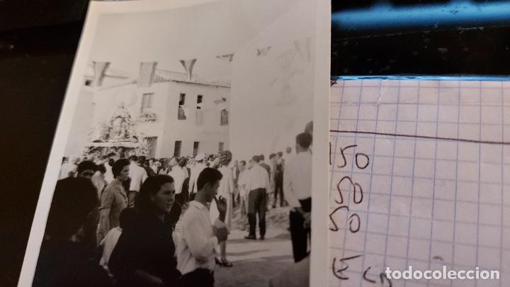 CURIOSAS TRES FOTOGRAFIAS ANTIGUAS DE PROCESION DE VIRGEN CON EL ESCUDO DE LA FALANGE (Fotografía Antigua - Albúmina)