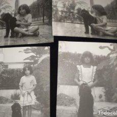 Fotografía antigua: ANTIGUAS FOTOGRAFÍAS RAQUEL Y POPI NIÑA CON SU PERRO DATOS TRASERA 1982 P. FORNAS. Lote 240956935