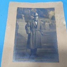 Fotografía antigua: ANTIGUA FOTO DE ÉPOCA - HOMBRE POSANDO - 1920 CARTAGENA (MURCIA). Lote 251139000