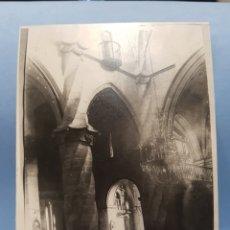 Fotografía antigua: FOTOGRAFIA INTERIOR DE LA IGLESIA ARCIPRESTAL DE SANTIAGO , VILLENA , AÑO 1921. Lote 252699640