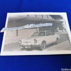 Fotografía antigua: COCHE FIAT ANTIGUO. Lote 254900720