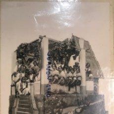 Fotografía antigua: FALLAS. FOTOGRAFÍA CÍRCULO VALENCIANO EN BUENOS AIRES. BARRACA CARROZA ENGALANADA (A.1923). Lote 255626135