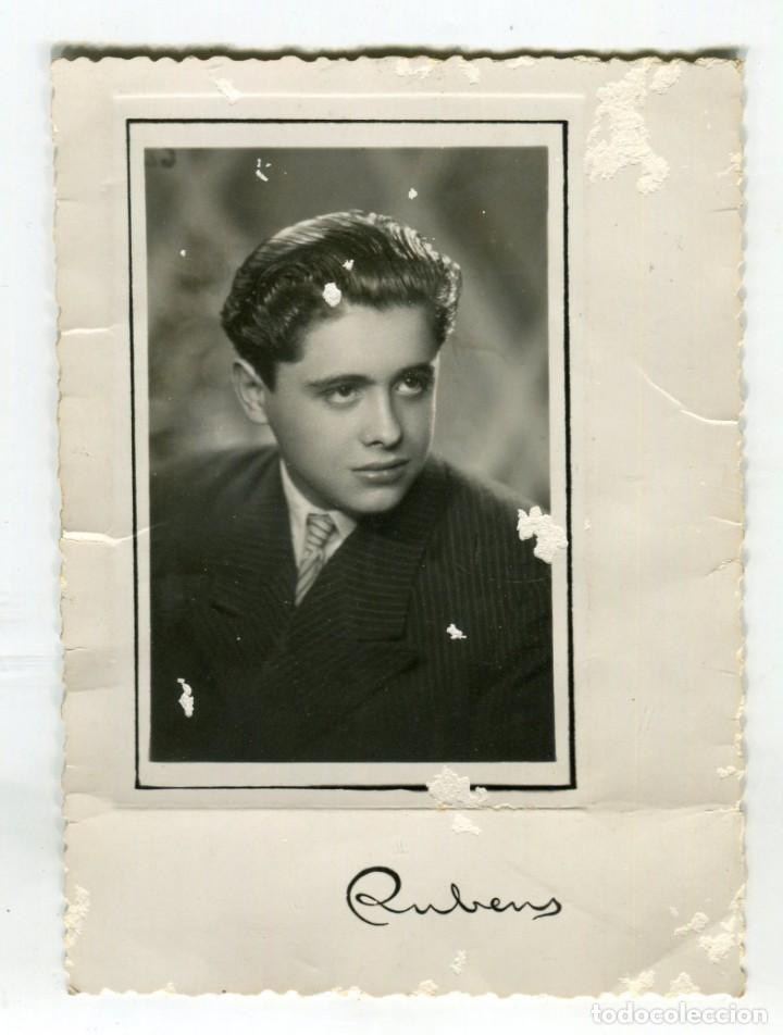 BARCELONA FOTO RUBENS ANTIGUA FOTOGRAFIA DE CABALLERO, FECHADA EN 1947 VER IMAGEN DEL REVERSO (Fotografía Antigua - Albúmina)