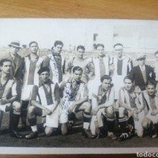 Fotografía antigua: FOTOGRAFÍA ANTIGUA ORIGINAL - EQUIPO DE FÚTBOL. AÑOS 1930 - LAS PALMAS DE GRAN CANARIA. Lote 261580920