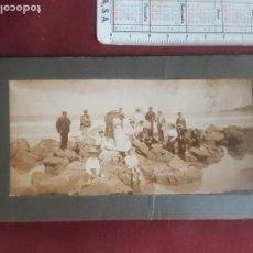 Fotografía antigua: ESCENA DE PLAYA. NORTE DE ESPAÑA. GONZALO G. SALAZAR FOTÓGRAFO. Lote 263088855