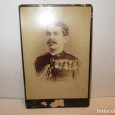 Fotografía antigua: FOTO ALBUMINA MILITAR, SIGLO XIX. RETRATO11X17 CM. FOTO: PERTIERRA, MANILA.. Lote 263141710