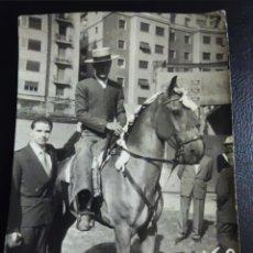 Fotografía antigua: FOTO REJONEADOR CARLOS ARRANCA 1957. Lote 264795874