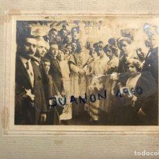 Fotografía antigua: FOTOGRAFÍA, LAS FALLAS Y JOSÉ M. SALVADOR Y BARRERA, ARZOBISPO DE VALENCIA (H.1910?). Lote 266010633