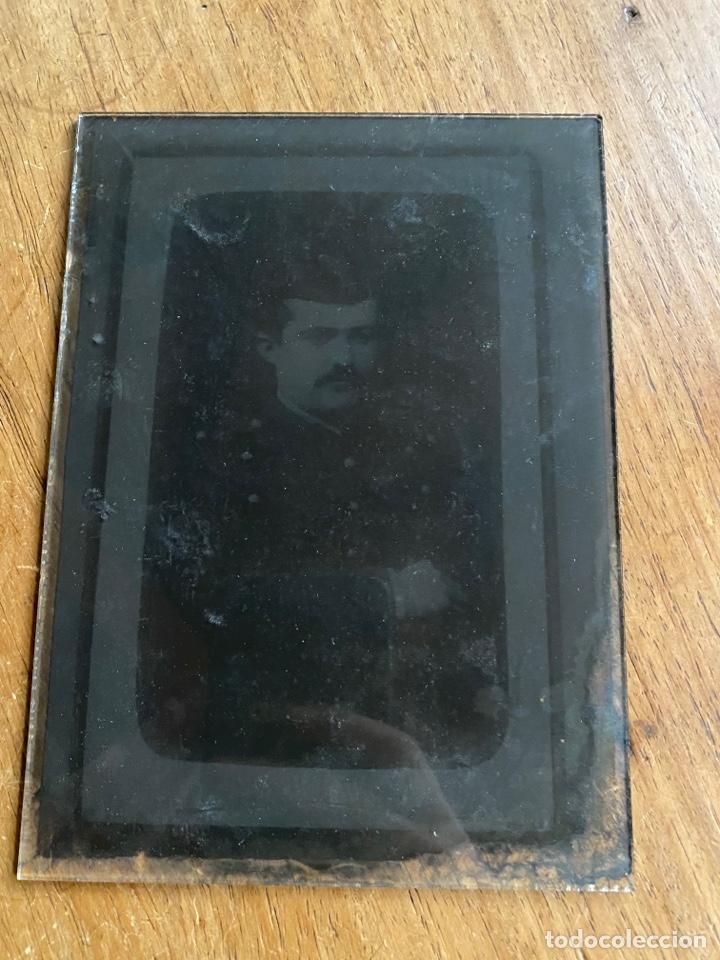 Fotografía antigua: Placa Cristal Negativo retrato señor con traje/ oficial - Foto 3 - 277440908