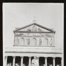 Fotografía antigua: 1532 - ITALIA CATEDRAL DE SAN PABLO / ELEGANTE SEÑORITA Y NIÑA - FOTO ALBUMINA 14X8CM 1929. Lote 280116763