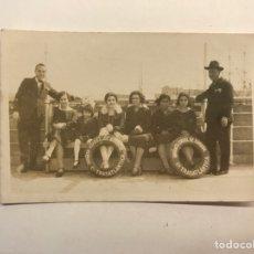 Fotografía antigua: FOTOGRAFÍA ANTIGUA,, EN EL INFANTA ISABEL DE BORBON, CIA. TRANSATLÁNTICA (H.1920?). Lote 280121083