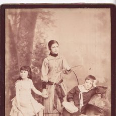Fotografia antiga: FOTOGRAFÍA. ISABEL, DOLORES Y FEDERICO GARCÍA DE LA CONCHA OTERMÍN. PAMPLONA 1887 DUCLUX Y ZARAGÜETA. Lote 283110783