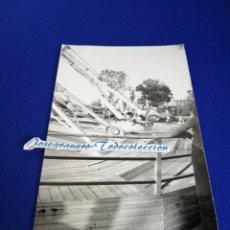 Fotografía antigua: UN DÍA EN LA FERIA PARQUE DE ATRACCIONES VALENCIA. Lote 288509518