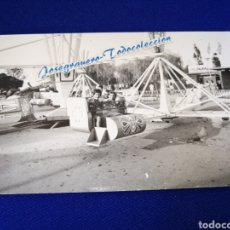 Fotografía antigua: UN DÍA EN LA FERIA VALENCIA PARQUE DE ATRACCIONES. Lote 288509893