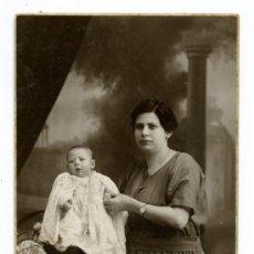 Fotografía antigua: MATERNIDAD. 1922. F: ALONSO. BCN. Lote 22439560