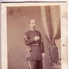 Fotografía antigua: RETRATO DE MILITAR. FOTO : J. MON , MADRID. 1860'S. Lote 34400991