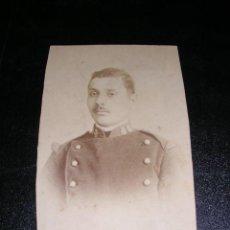 Fotografía antigua: CARTA DE VISITA DE UN MILITAR - FOT, VIDAL Y ARBONA - CEUTA ( FOTOGRAFIA RECORTADA ). Lote 19379805