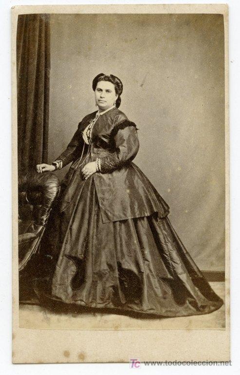 GIBRALTAR. ESPECTACULAR DAMA Y VESTIDO. J. MORILLO. SOBRE 1865 (Fotografía Antigua - Cartes de Visite)