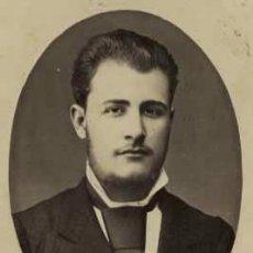 Fotografía antigua: CABALLERO CON GRAN CORBATA. F: F. DEL FRESNO. OVIEDO. ASTURIAS. CIRCA 1880. Lote 26905735
