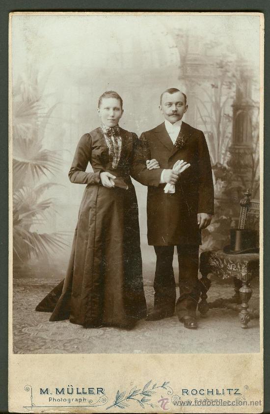 FOTOGRAFIA ANTIGUA RETRATO DE UN MATRIMONI FORMATO CDV. ENTRE 1900-1920 (Fotografía Antigua - Cartes de Visite)