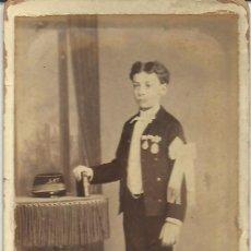 Fotografía antigua: CARTA DE VISITA/CARTE DE VISITE. FOT. PARTAGAS. CA. 1870/1890. BARCELONA. NIÑO CUERPO ENTERO. Lote 31340228