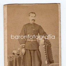 Fotografía antigua: RETRATO CDV DE MILITAR, TENIENTE CORONEL, FOTO: MON, MADRID.. Lote 32316088