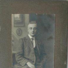 Fotografía antigua: CDV PAUL HENSCHEL, BRUST (ALEMANIA) RETRATO DE JOVEN CABALLERO . Lote 37564691