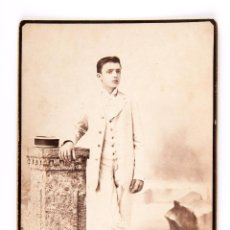 Fotografía antigua: FOTOGRAFIA DE JOVEN, EN BLANCO Y NEGRO, FOTOGRAFO A DESQUIRON DE SANTIAGO DE CUBA. Lote 139482342