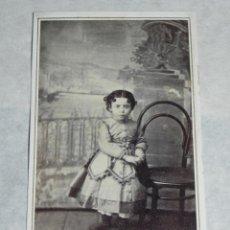 Fotografía antigua: FOTOGRAFIA ALBUMINA CDV DE NIÑA, FOTOGRAFIA DE S. GERMANY DE MADRID, SIGLO XIX, MIDE 10,5 X 6,2 CMS.. Lote 43088248