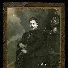 Fotografía antigua: RETRATO DE SEÑORA. J. VALLÉS. C. 1905. BCN.. Lote 45358613