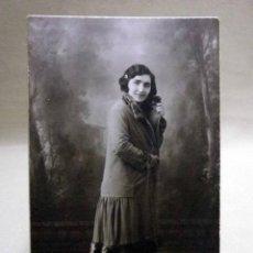 Fotografía antigua: FOTOGRAFIA ANTIGUA, CDV, ALBUMINA, MUJER, ESTUDIO VENDRELL, VALENCIA, SIGLO XIX, CARTE DE VISITE. Lote 46458162