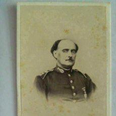 Fotografía antigua: CDV OFICIAL DE SANIDAD MILITAR DEL SIGLO XIX, MEDALLA ISABEL II . FOTO DE RAMON HERNANDEZ , CADIZ... Lote 48627273