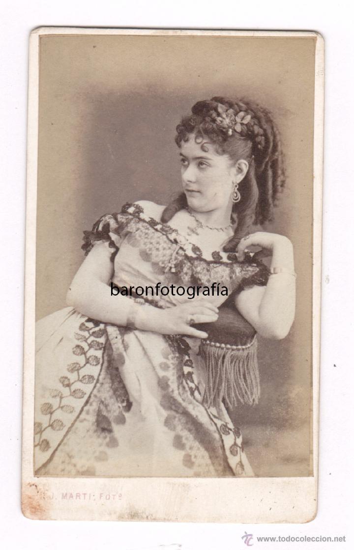 RETRATO DE ACTRIZ POR IDENTIFICAR, FOTO: JUAN MARTÍ , BARCELONA. 1870'S. (Fotografía Antigua - Cartes de Visite)