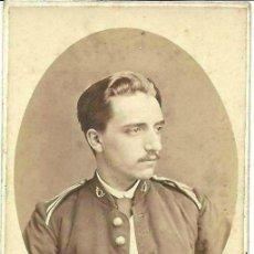 Fotografía antigua - CDV DE MILITAR , OFICIAL CAZADORES , SIGLO XIX , GUERRA CARLISTA ?. DE JULIÁ , MADRID - 50062121