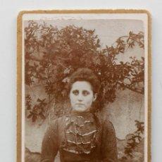 Fotografía antigua: JOVEN DE ÉPOCA CON UN ROSTRO MUY ACTUAL. FINALES 1800S. Lote 53395657